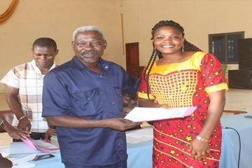 HANDING OVER OF CERTIFICATES: THE 55TH BATCH OF FARM TRAINEES OFFICIALLY RELEASED